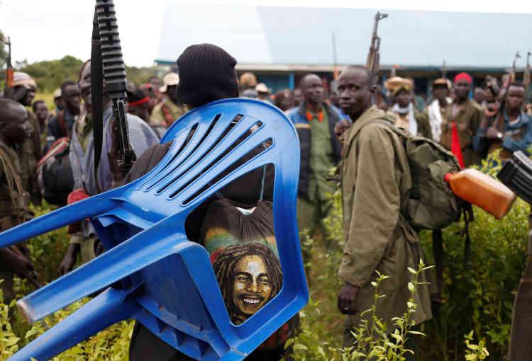 Rassemblement la veille de l'attaque de Kaya, ville située près de la frontière ougandaise et l'une des quatre à avoir été simultanément attaquées.