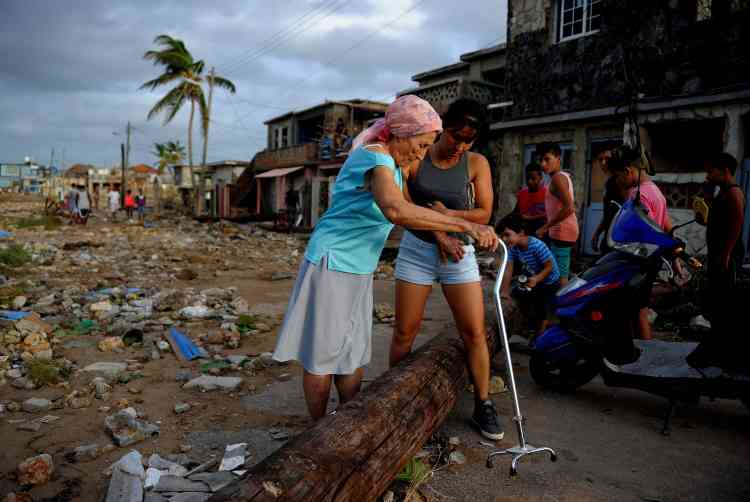 A Cojimar, à Cuba, le 10 septembre. Lundi, un premier bilan faisait état de 10 morts après le passage de l'ouragan.