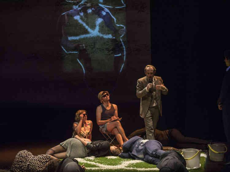 Spectacle du Nimis Groupe, «Ceux que j'ai rencontrés ne m'ont peut être pas vu» au Théâtre des Ilets.