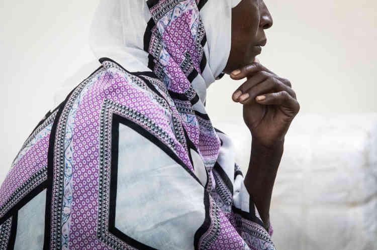 Améné est darfourie, elle a passé plus de dix ans dans un camp de réfugiés au Tchad. Mère de famille, elle est candidate à la réinstallation en France dans le cadre de la mission Ofpra.