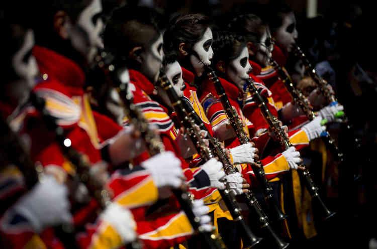 Les Mexicains célèbrent généralement le «jour des morts» chez eux mais il reste un événement festif.