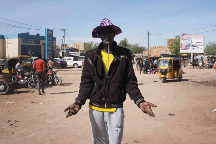 Abdou Ahmed est originaire d'Agadez. Ancien passeur de migrants, il a bénéficié d'un plan de reconversion, mais le financement de sa nouvelle activité ne vient toujours pas. «Si l'Etat ne fait rien, je vais reprendre mon ancienne activité!»