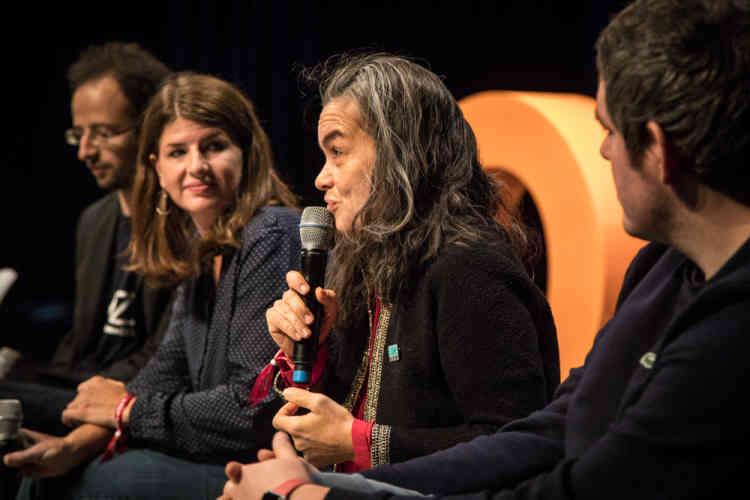 Emmanuelle Jardat,directrice de l'innovation et de la RSE pour la direction «entreprises France» d'Orange, explique qu'elle organise une dizaine de hackathons par an pour faire émerger des idées nouvelles.