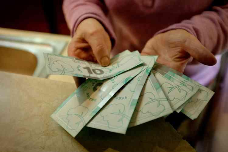 L'adhérent d'Ecosyst'm peut utiliser ses Y'ACA, la monnaie locale créée pour soutenir le dispositif, dans les 22magasins partenaires.