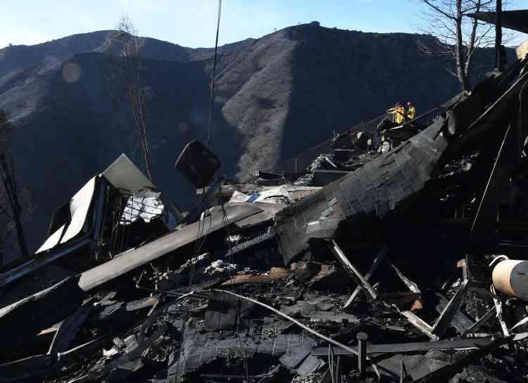 Une maison entièrement détruite dans le quartier huppé de Bel Air, à Los Angeles, le 7décembre.