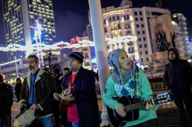 Place Taksim, à Istanbul. Le dernier réveillon avait été endeuillé par un attentat meurtrier dans la principale ville de Turquie.