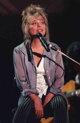 Malgré la mort brutale de son mari, France Gall poursuit ses concerts, comme à Bercy en1993. Elle est ensuite frappée par un cancer du sein, puis touchée durement par la mort de sa fille en1997.
