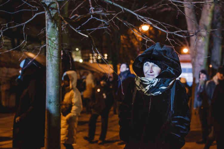 Lucyna, 60 ans : « Je suis furieuse de devoir me battre pour la même cause qu'il y a trente ans. Je ne peux pas accepter que le monde pour lequel nous avons combattu, la participation à l'UE, disparaissent d'une année à l'autre. Je ne veux pas que ce pays devienne comme un enfer pour les femmes. »