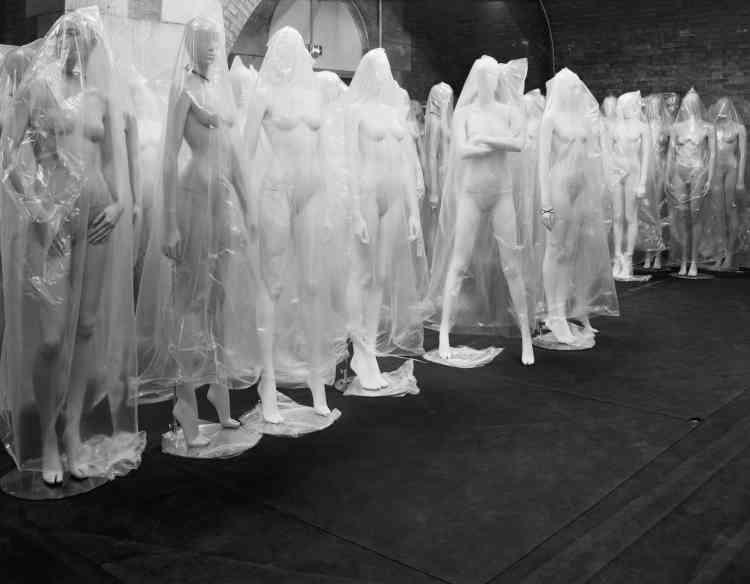 Au Palais Galliera, quelques jours avant l'ouverture de l'exposition«Margiela / Galliera 1989-2009».