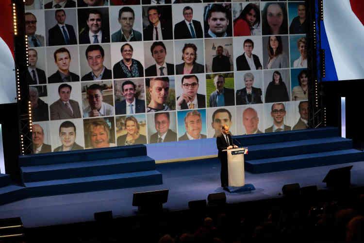L'annonce des résultats du vote des nouveaux statuts du FN et de la reconduction de Marine Le Pen à la présidence du Front national.
