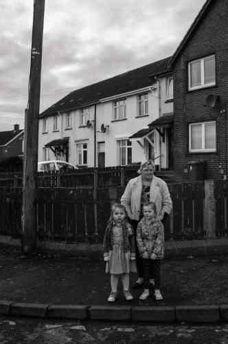 Un lotissement de Creggan, à Derry en 2017. En attendant la parade decommémoration du Bloody Sunday dans cette ville où, le 30 janvier 1972, les soldatsbritanniques tuèrent 14 civils.
