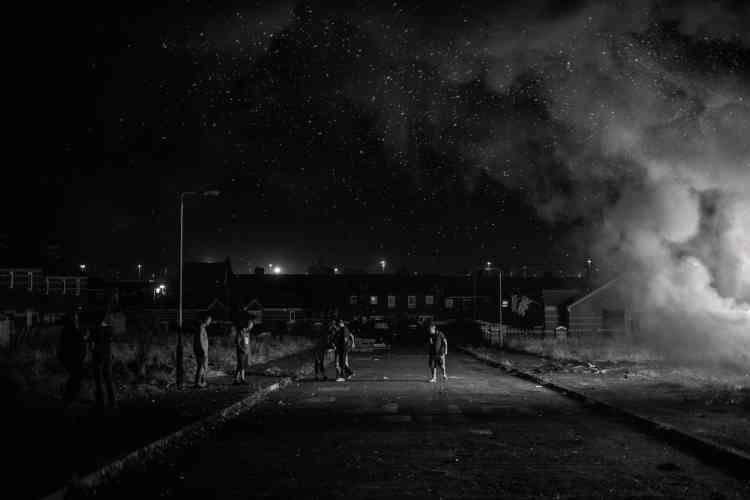 Belfast, Tiger's Bay, le 11 juillet 2014. Chaque année, des loyalistes allument des feux pour l'Orange Day, qui fête la victoire en 1690 du protestant Guillaume d'Orange sur son rival catholique Jacques II.