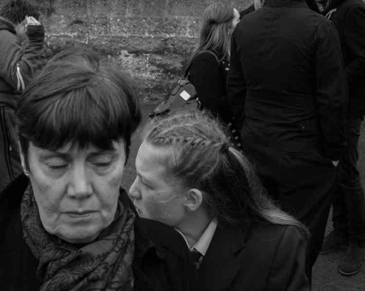 A Bogside, Derry, le 23 mars 2017, lors des funérailles de Martin McGuinness,ancien vice-Premier ministre d'Irlande du Nord, qui fut un commandant de l'IRA.