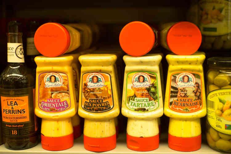 Au Franprix 100% cacher du 238 boulevard Voltaire, on trouve du Nutella cacher, on trouve même du dentifrice cacher de Pessah pendant la pâque juive, et bien sûr tous les produits de la marque phare : « Mémé Hélène». C'est dans les années 1980 que ce Franprix est peu à peu devenu intégralement cacher.