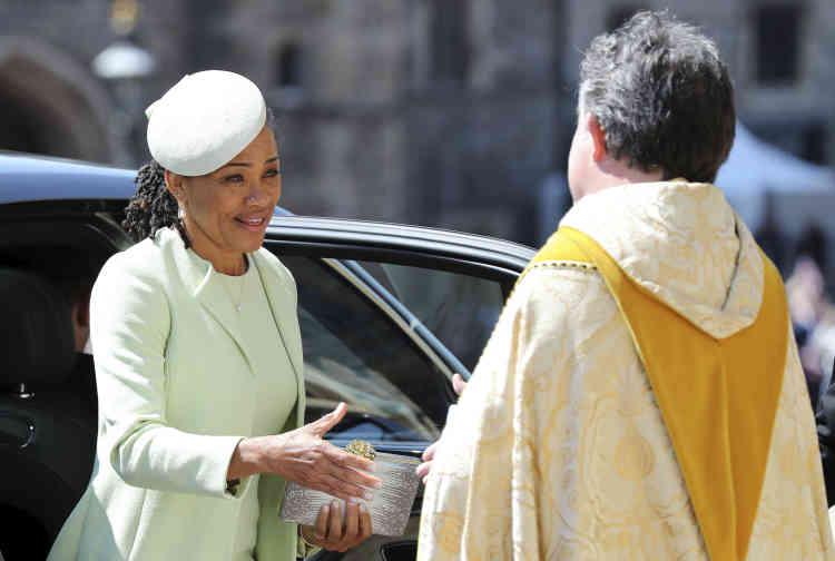 Doria Ragland, la mère de Meghan Markle, arrive au château de Windsor.