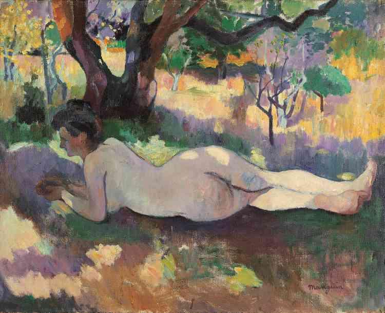 «Durant l'été 1905, Manguin loue la villa Demière qui se situe à vingt minutes de Saint-Tropez. Dans un cadre idyllique et calme, il peint près de cinquante paysages ainsi que des représentations de Jeanne, vêtue ou nue, dans la nature. Son épouse, qui est aussi son modèle d'élection, pose en toute quiétude pour cette œuvre qui sera présentée au Salon d'automne de 1905.»
