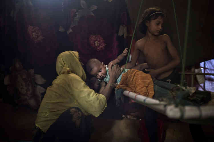 «M» a été violée par six soldats des forces de sécurité du Myanmar, nom officiel de la Birmanie. Auparavant, ils avaient étranglé son fils de deux ans. Elle a ensuite découvert qu'elle était enceinte et a donné naissance à un petit garçon. Après avoir raconté à son mari ce qu'il s'était passé, il ne veut plus rien avoir à faire avec elle ou avec le bébé.