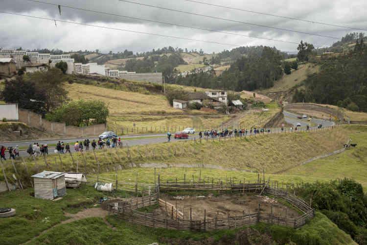 La plupart des migrants vénézuéliens voyage depuis plus d'une semaine, à pied ou en faisant du stop.