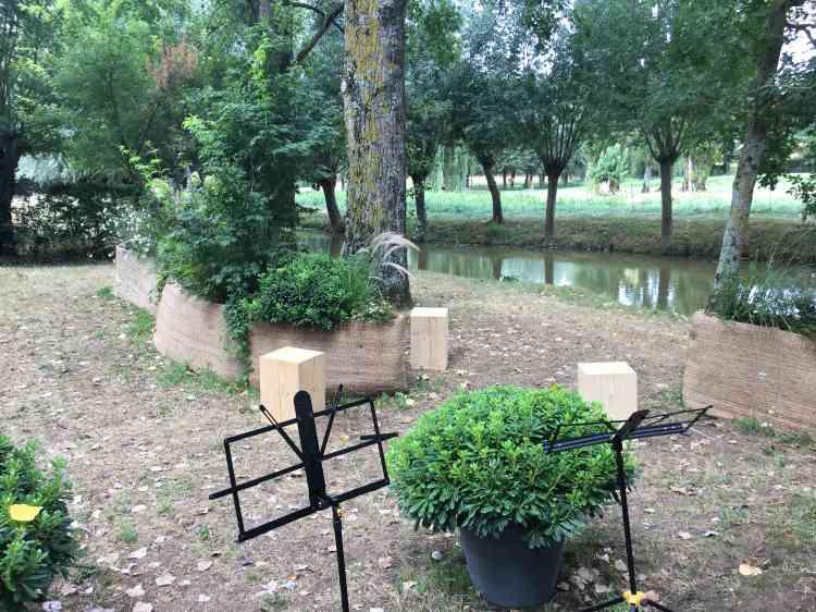 Elégante «chambre» conçue pour héberger un concert lors des promenades musicales, le jardin «Onde fragmentée», lauréat d'un concours, a été réalisé par Rozenn Duley et Grégory Dubu.