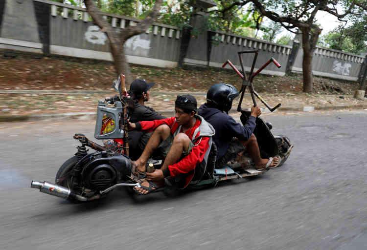 Pour pouvoir participer au festival, le véhicule doit être équipé d'un moteur Vespa. La plupart des concurrents tentent de conserver le carénage emblématique de la marque, l'avant incurvé du scooter.