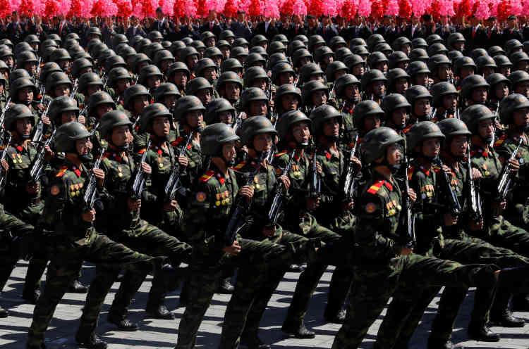 Notamment, Pyongyang n'a pas fait parader de missiles intercontinentaux. Donald Trump s'en est félicité.