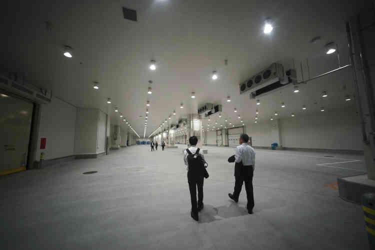 Une partie du marché Toyosu avant la cérémonie d'ouverture, le jeudi 13 septembre. D'une superficie de407 000 m2, lenouveau marché est l'équivalent de 56 stades de football, quasiment deux fois plus que le vieux marché de Tsukiji.