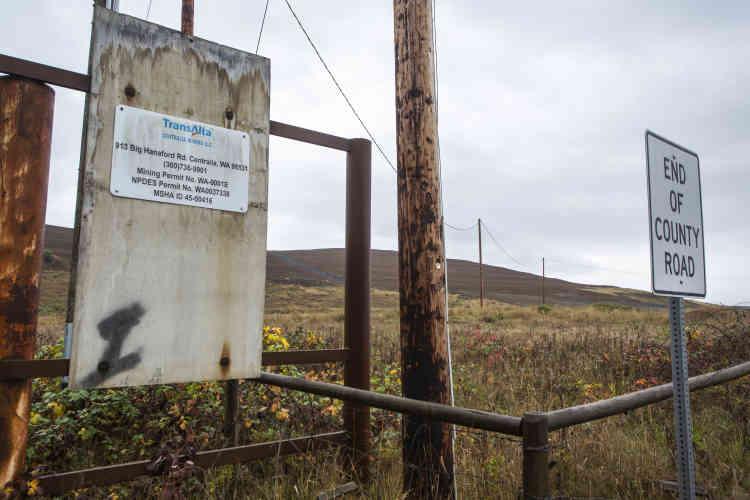 L'endroit où se termine la route de Big Hanaford. Au loin, les collines qui abritaient les mines de charbon.