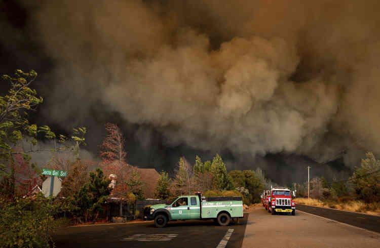 Le feu a commencé dans le canyon deFeather River, à proximité de l'autoroute 70. Il s'est ensuite propagé vers l'ouest.