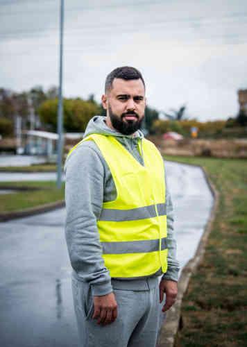Eric Drouet, 33 ans, chauffeur routier, de Seine-et-Marne: «C'est une réunion pour informer les gens. Il y a des plus grosses réunions un peu partout en France ; ça va être du jamais-vu, le 17 sera une journée pas comme les autres.»