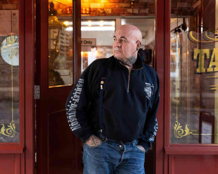 David Wood, un tatoueur d'Aldershot :« Après la fermeture du Marks & Spencer, tout s'est écroulé comme un château de cartes.»