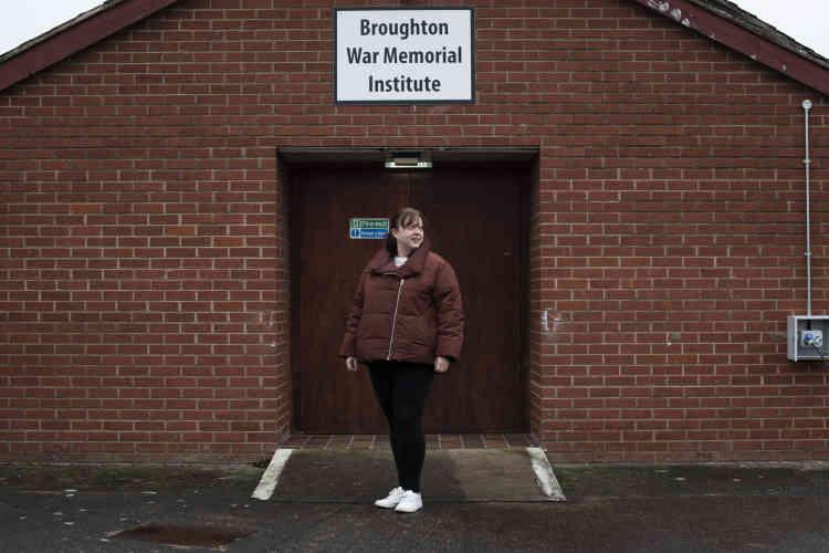 Janine Pritchard, 37 ans, a son propre salon de coiffure. Elle a voté pour rester dans l'Europe.« J'ai entendu dire que le Brexit allait vraiment se produire. C'est vrai ? Je présume que les prix vont augmenter, avec quelles conséquences sur la classe moyenne ?»
