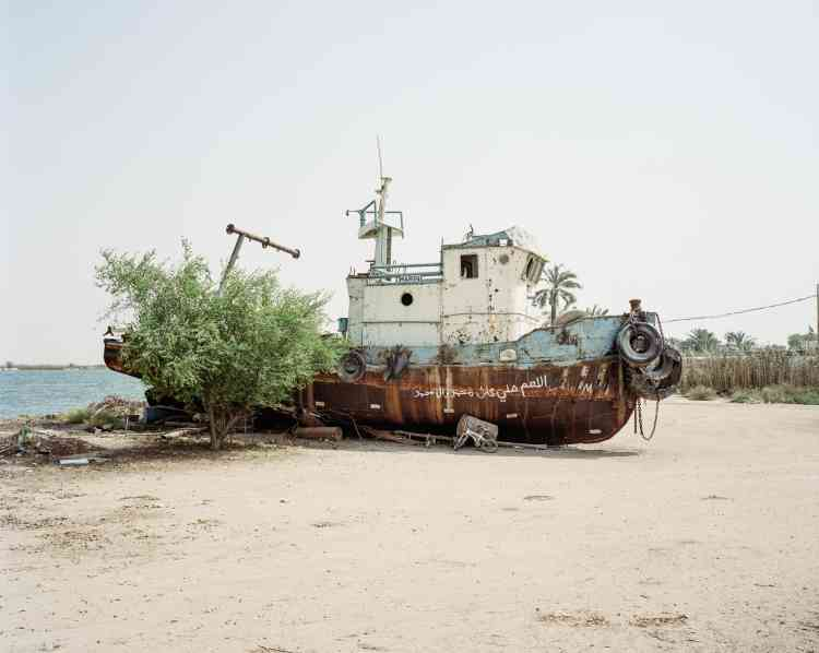 Les eaux, anciennement poissonneuses, du delta de Chatt Al-Arab peinent à nourrir les familles, qui fuient vers les villes. Ici, dans laprovince de Bassora.