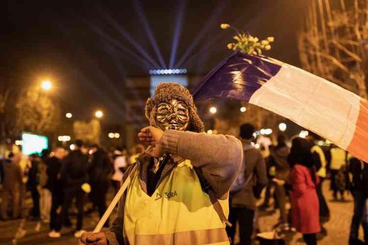 Selon la préfecture de police, seuls 200 « gilets jaunes » se sont réunis sur les Champs-Elysées.