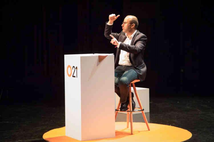 """Emmanuel Davidenkoff, rédacteur en chef au """"Monde"""", orchestre les débats"""