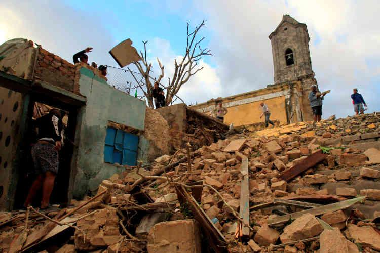 C'est la plus forte tornade depuis quatre-vingts ans qui frappe l'archipel de Cuba.