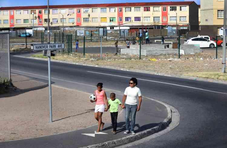 Renshia veut briser les clichés sur les townships: «Je voudrais montrer aux gens qu'il y a plus à Hanover Park que la violence des gangs dont tout le monde parle. Il y a de bonnes personnes et de bonnes initiatives qui sortent de cet endroit.»