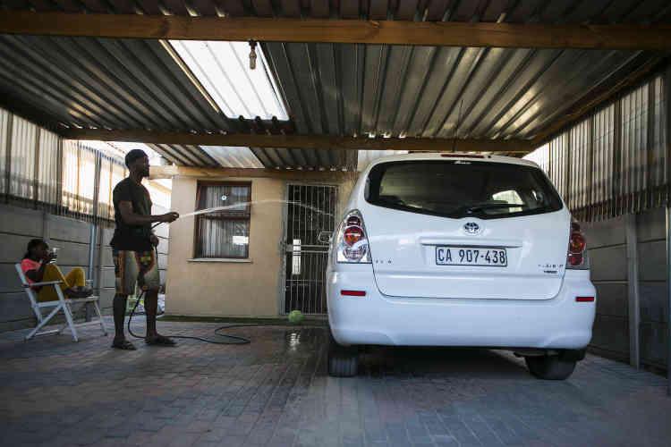 Bulelani veut casser le stéréotype du père noir absent. «Les balades en voiture avec mes filles sont le moment idéal pour nouer des liens pendant qu'elles sont assises dans la circulation du Cap.»