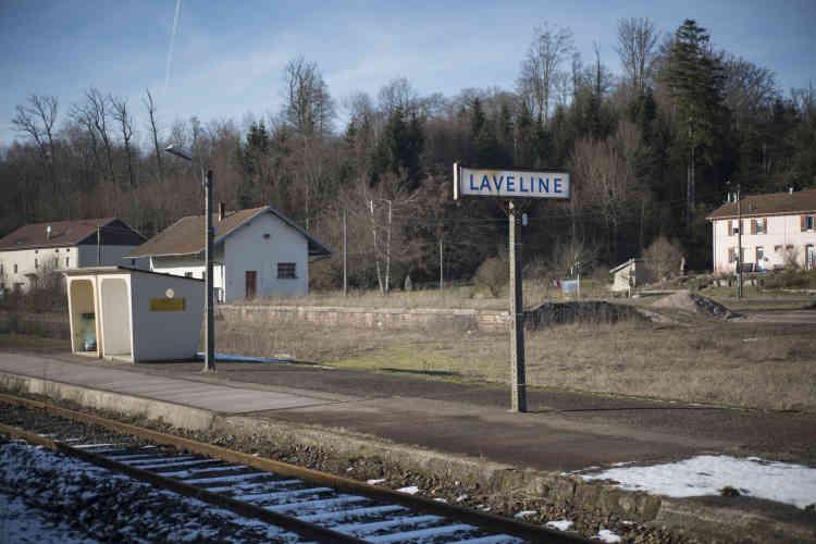 Arrêt désaffecté de Laveline sur la ligne de train d'Epinal à Saint-Dié-des-Vosges, le 6février.