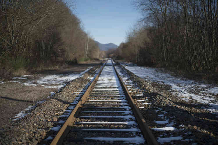 Les voyageurs se sont mis à craindre les routes verglacées en hiver et les bouchons à la sortie d'Epinal.