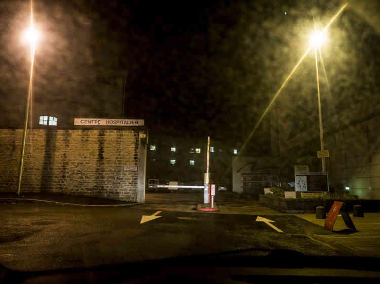 Kilomètre 60. L'entrée du centre hospitalier Jura-Sud, à Lons-le-Saunier.