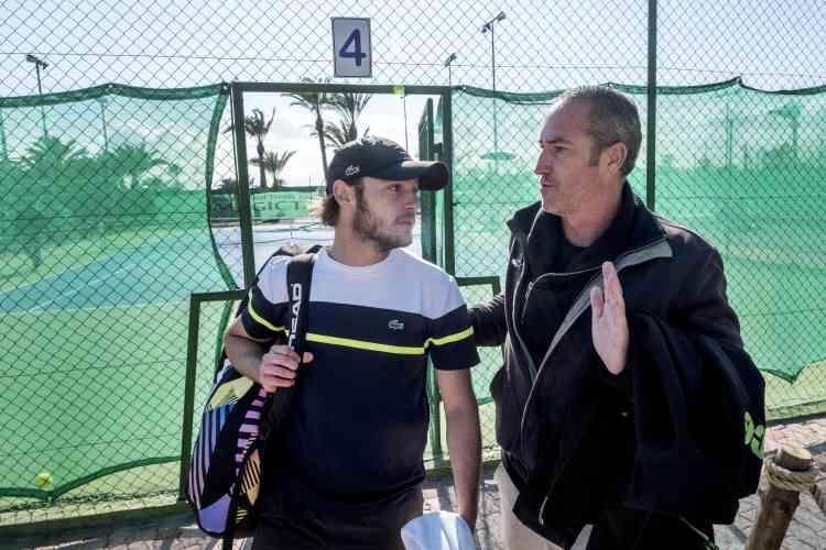 Louis Tessa (20 ans, 699e au classement ITF), avec Christophe Fournerie (ex-entraîneur d'Amélie Mauresmo), qui l'accompagne sur les tournois entre octobre et mars. Entre les tout meilleurs qui gagnent énormément et le circuit secondaire, « il y a trop d'écart, juge ce dernier. Il faudrait trouver un meilleur équilibre. En foot, en deuxième ou troisième divisions, ils gagnent bien leur vie et c'est normal. En tennis, à ce niveau, ils ne gagnent pas leur vie, ça leur ajoute une pression ».
