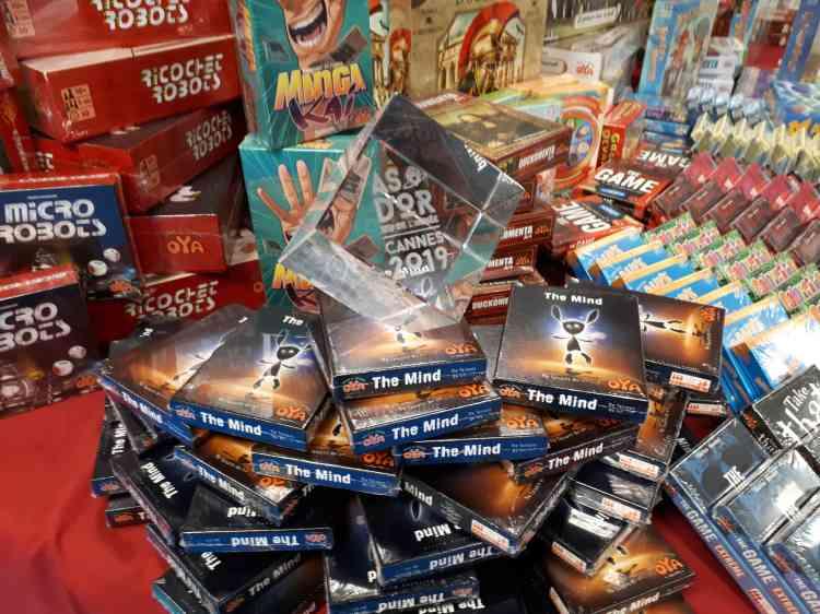 Avant son ouverture, le festival décerne aussi les prix de l'As d'or, l'une des plus prestigieuses récompenses pour les jeux de société. L'édition2019 a consacré le jeu de cartes coopératif «The Mind», dans lequel les joueurs doivent« liredans les pensées» des autres joueurs pour jouer leurs cartes dans le bon ordre.