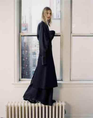 Robe chemise en organza de soie et jupe en soie, The Row. Mocassins en cuir, Church's