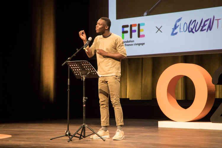 Au cours de la soirée, Lamine Samassa, demi-finaliste du concours Eloquentia 2018 de Seine-Saint-Denis, a défendu la négative sur le sujet «S'orienter, est-ce renoncer?».