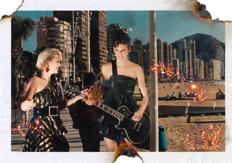 Gauche à droite, Robe en lurex, Tara Jarmon. Ceinture en velours et strass, Roger Vivier. Boucle d'oreille, Balenciaga. Robe bustier en toile laminée et chapeau Bibi, Céline par Hedi Slimane.