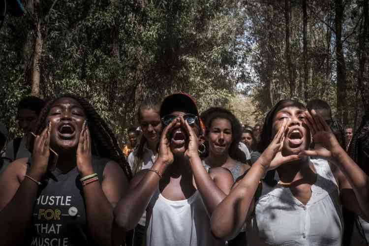 Des élèves de l'école Braeburn Garden Estate School manifestent à Nairobi, au Kenya.