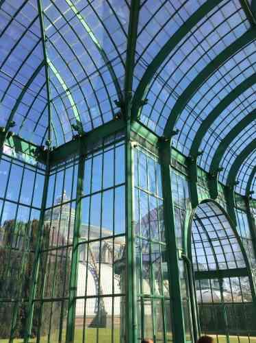 Construite en 1905, la serre du Théâtre a eu pour architecte le Français Charles Girault, à qui l'on doit le Grand Palais, à Paris.