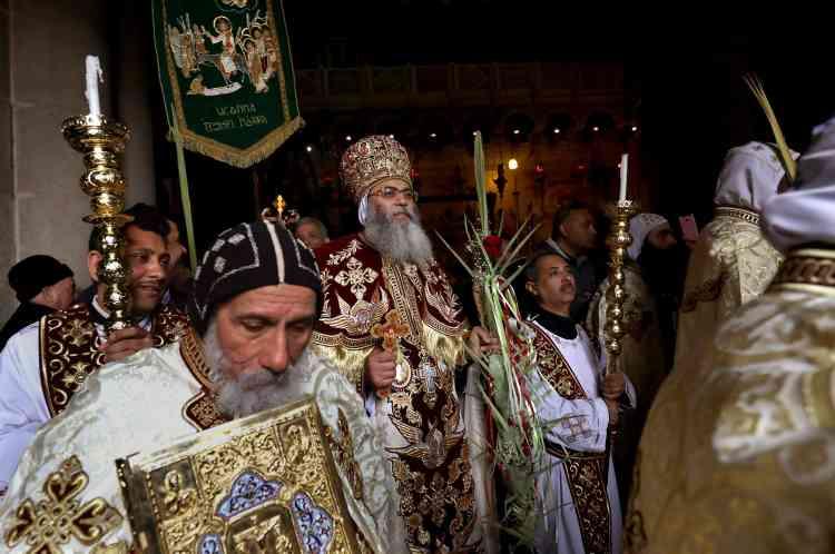 L'archevêque copte de Jérusalem, le métropole Antonius, dans l'église du Saint-Sepulcre à Jérusalem, le 21 avril 2019.
