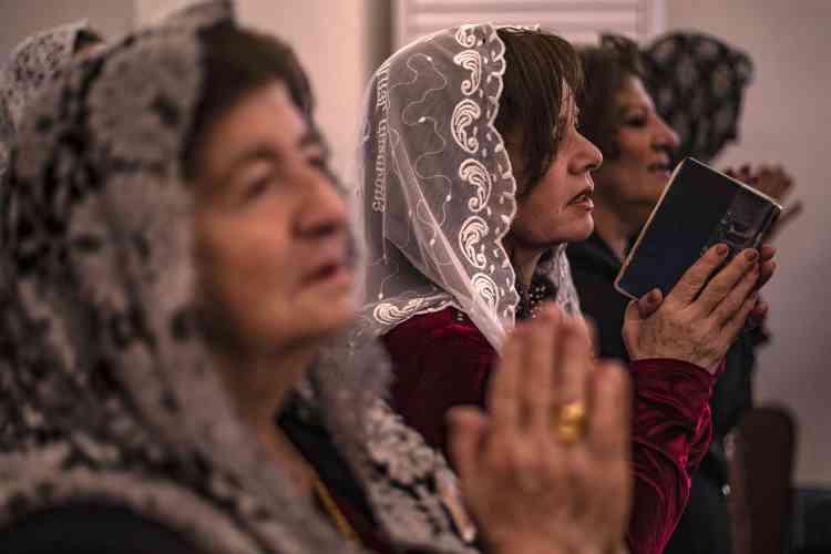 Les chrétiens du nord-est de la Syrie ont également célébré Pâques dans la ville deKamechliyé, frontalière de la Turquie et contrôlée par des forces à dominante kurde.