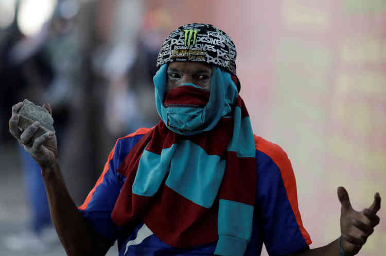 «Nous vivons un enfer. Je fais confiance au peuple de la rue pour faire exploser la marmite», a déclaré à l'Agence France-Presse une manifestante pro-Guaido.